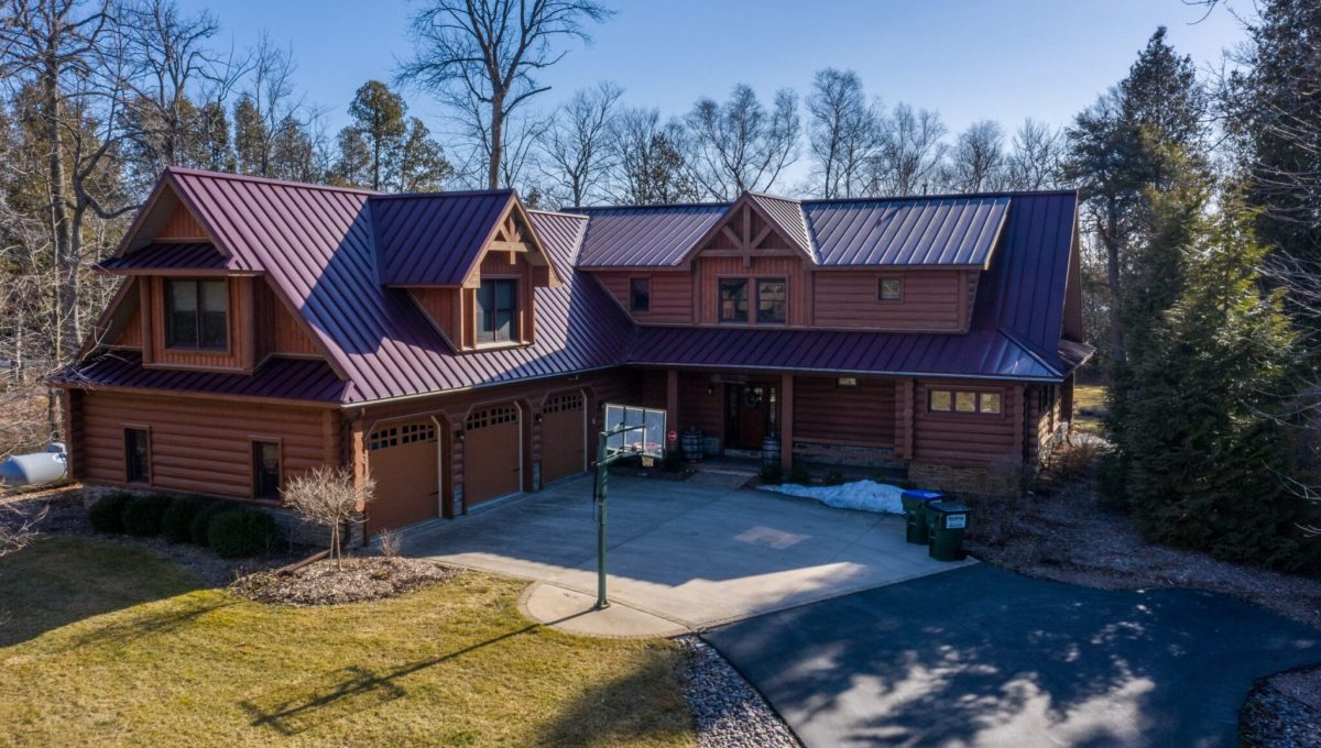 5559 Cave Point Drive-1