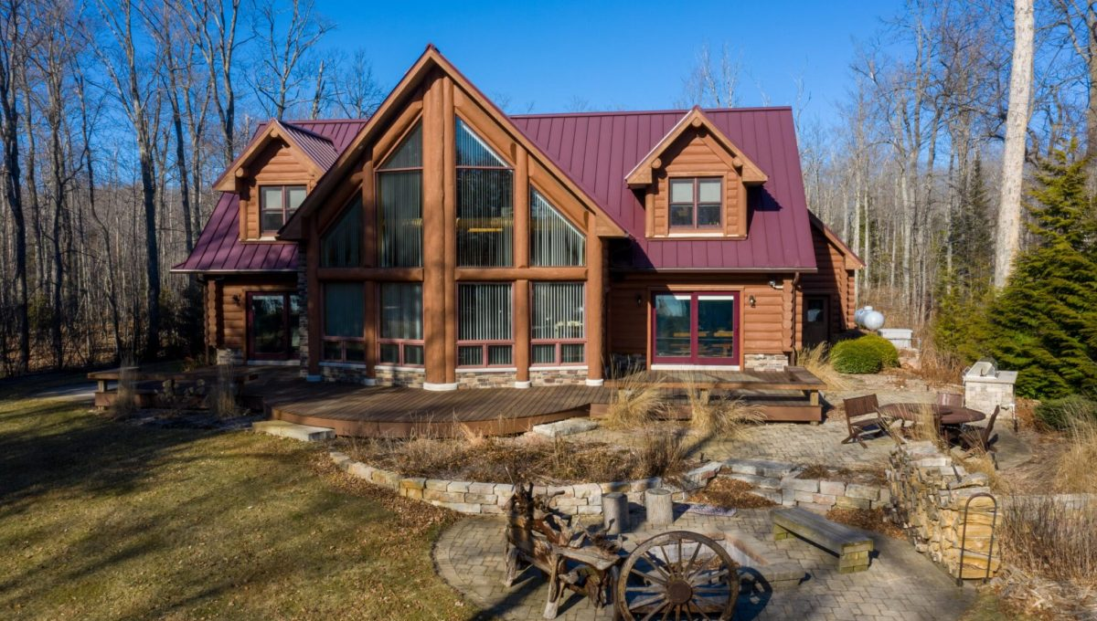 5559 Cave Point Drive-10