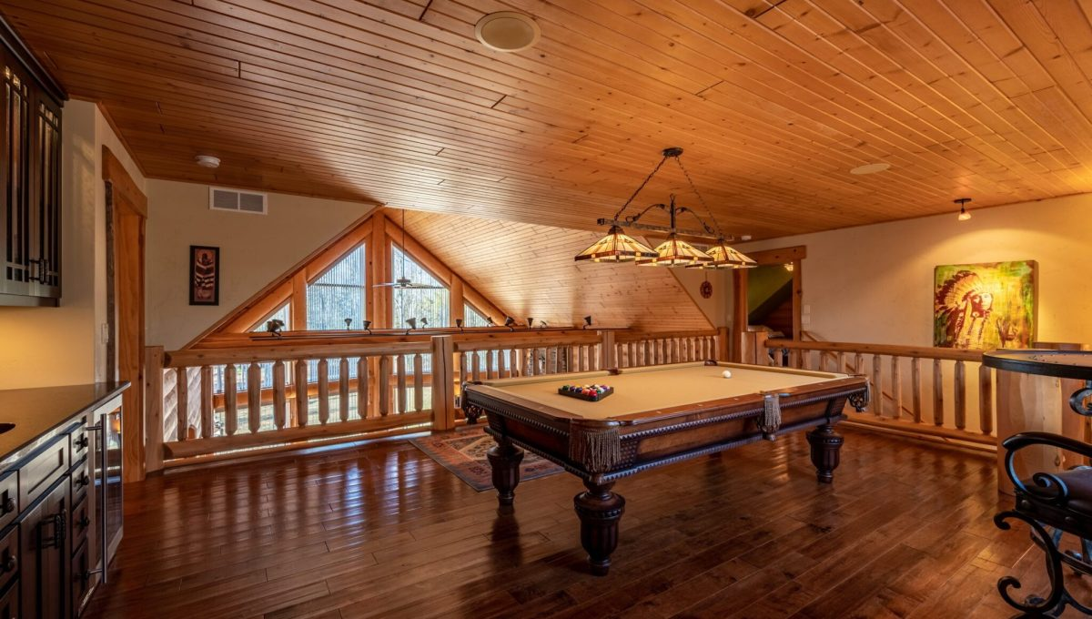 5559 Cave Point Drive-36