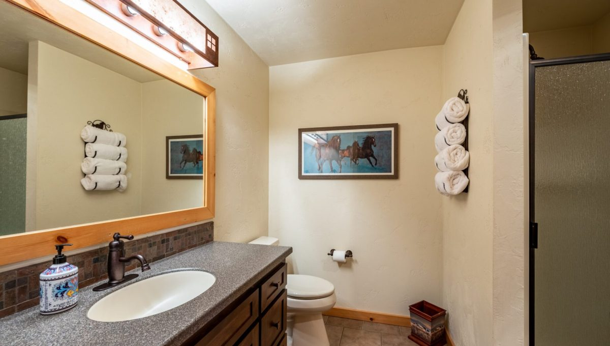 5559 Cave Point Drive-40