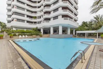 Silver Sands Apartment
