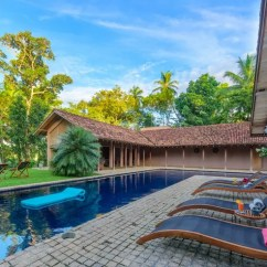 Electric Bath Chairs Elderly P Kolino Little Reader Chair Villa Maya - South And East Sri Lanka Villas By Eats & Retreats
