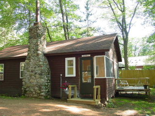 Deluxe 2 Bedroom with Gas Fireplace. 1 Queen, 1 Bunkbed, and 1 Twin
