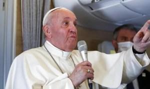 Paus Fransiskus Mulai Proses Reformasi Gereja Katolik di Dunia