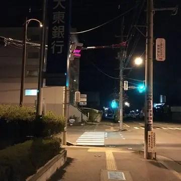 深夜の郡山市の道路