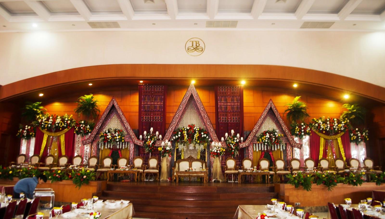 Gedung Pernikahan Adat Batak  trenycas Blog