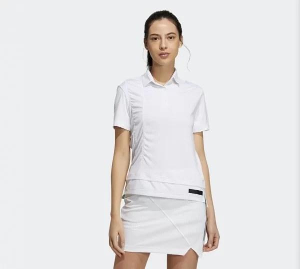 アディダスゴルフのウェアを着ている女性ゴルファー