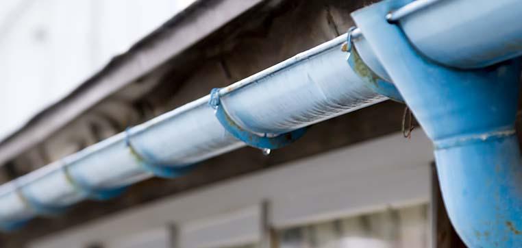 軒継ぎ手は、軒樋の長さを継ぎ足す際に生じる、軒樋と軒樋を接続するジョイントです。