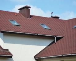 雨樋には、建物の美観だけでなく構造部材の腐食を防ぐ役割があり、適切に維持管理することで建物をより長く使用することができます