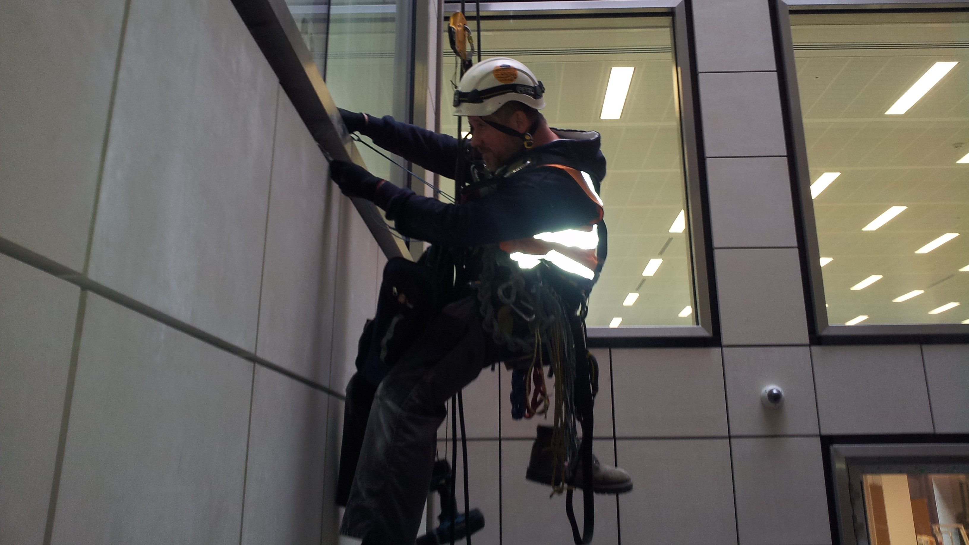 abseilers fixers curtain walling