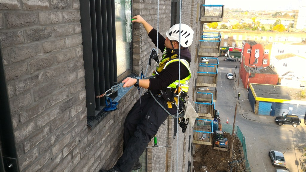 builders window cleaning