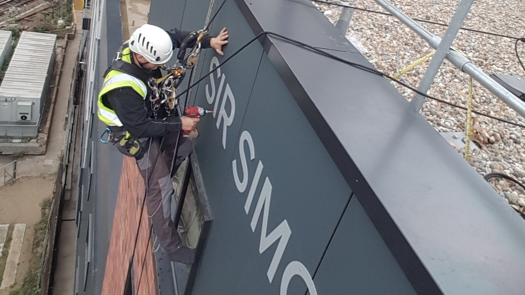 rope access sign installation
