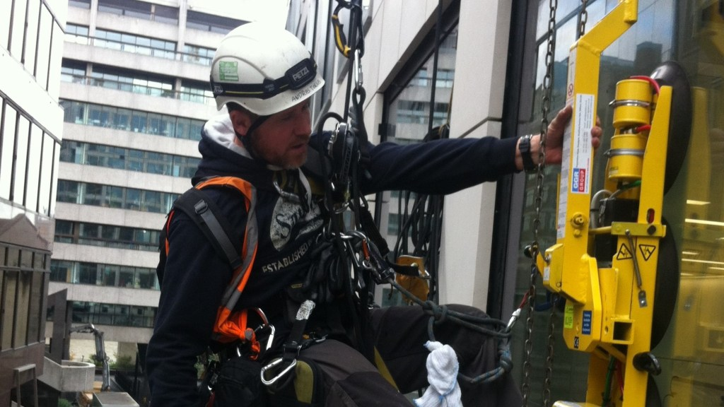 abseiling glazing services