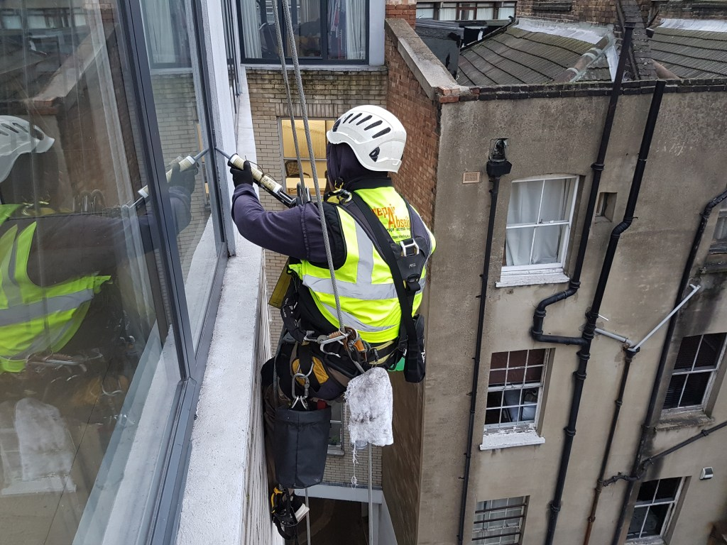 abseiling mastic services