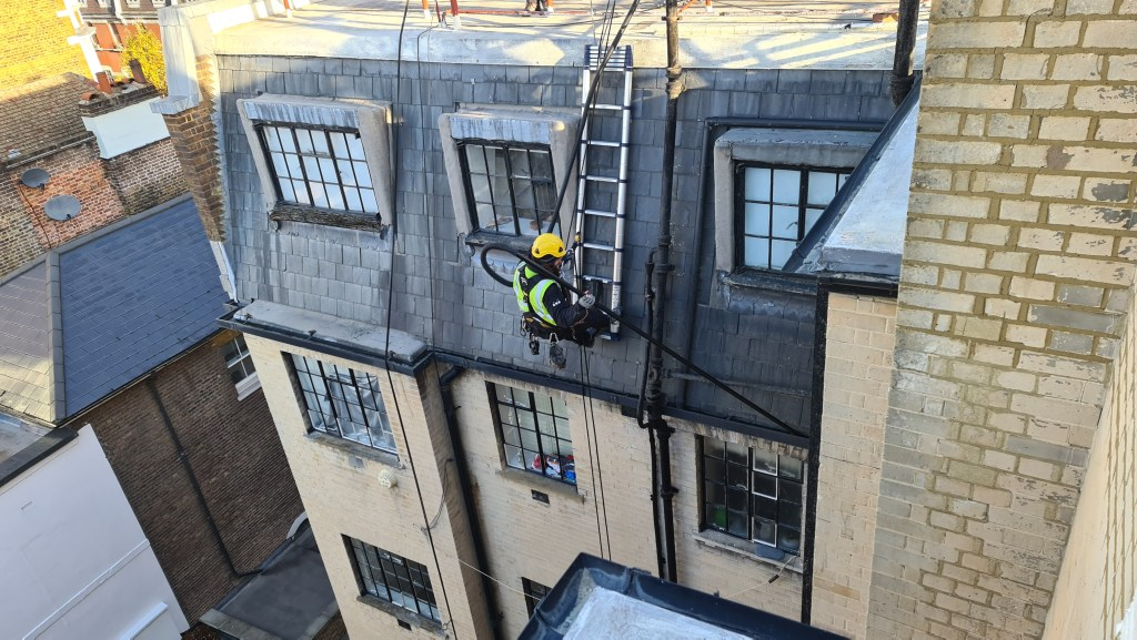 high level gutter cleaning without scaffolding