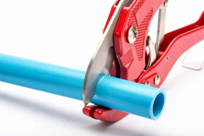 The Best PVC Pipe Cutter: Time to Get Cutting!