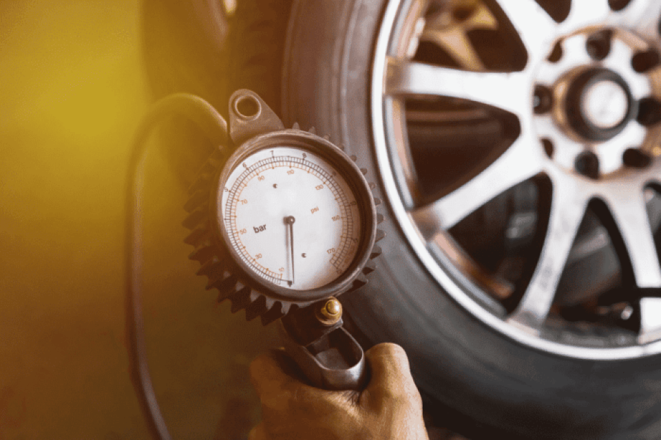 Top 5 Best Tire Inflator With Gauge – Which Brand Will Keep Your Tire Going
