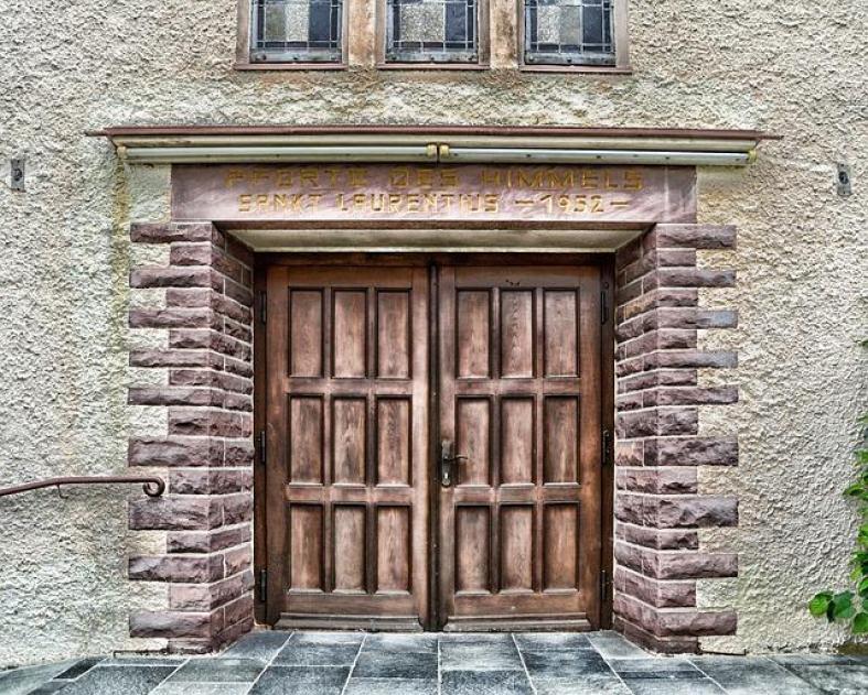 Wooden Doors Pictures