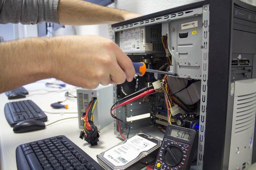 reparación de ordenadores y portátiles en Córdoba Sobremesa