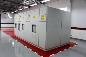 Instalación de banco de capacitor automático en empresa maquiladora - repinel mexico