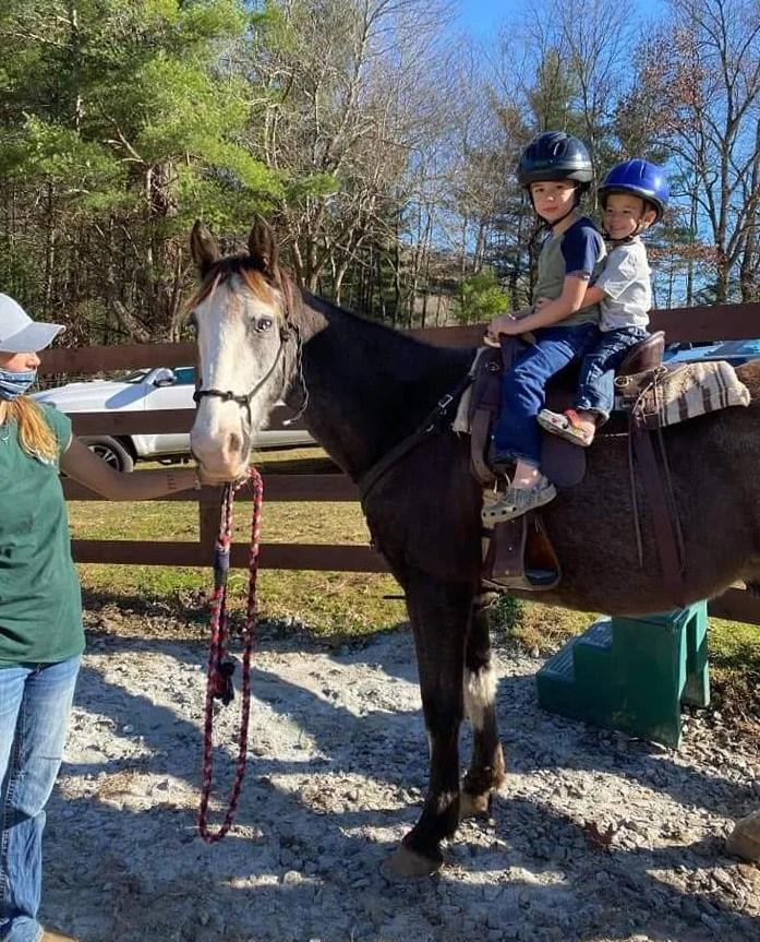 horseback-riding-floyd-va