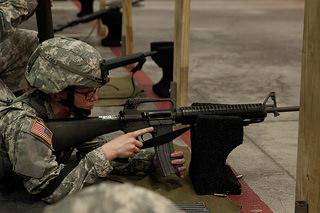 銃器の移り変わり - サブマシンガンからPDWへ