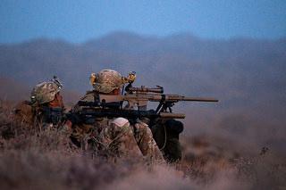 遠距離からターゲットを仕留める狙撃兵の役割とは
