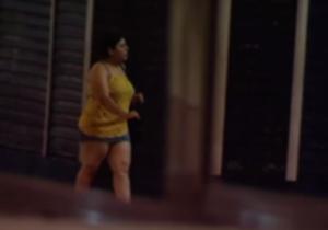 Voir le reportage vidéo de Cablemel TV, la télévision locale, sur l'essor de la prostitution à Melilla (en espagnol).