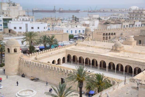 Du ribat, vue sur la grande mosquée et le port de Sousse