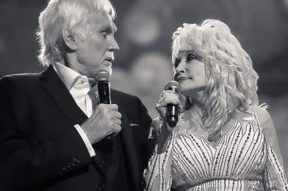 Famous Country Music Singer, Kenny Rogers, Dies at 81