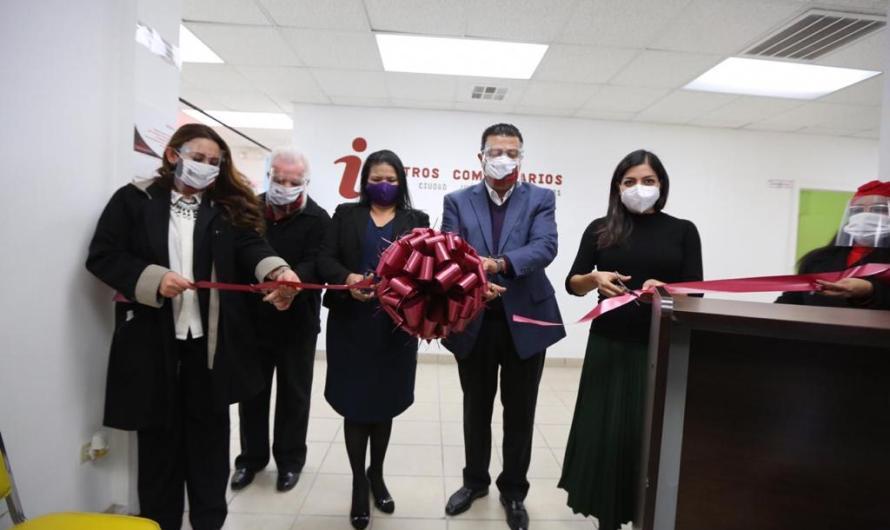 Inaugura Presidente Municipal en Centro Comunitario Palo Chino equipo médico