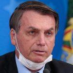 Bolsonaro-com-a-máscara-arriada-1-555x400