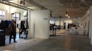 White fiera di moda a Milano per la Men's Fashion Week, box (2)