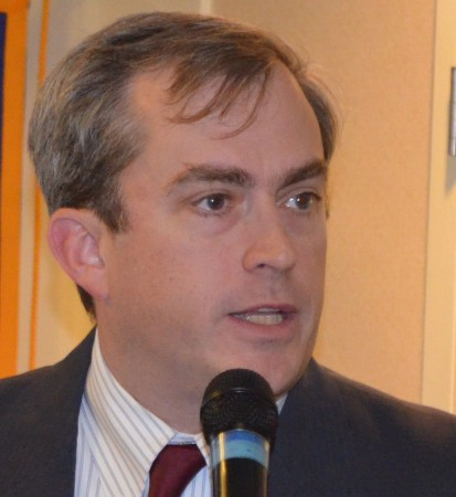 Robert L. Ashe, chairman MARTA board, speaks to the Rotary Club of Sandy Springs on Oct. 26.
