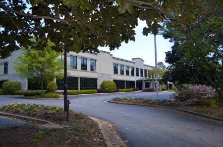 The former Morrison Healthcare headquarters building at Peachtree-Dunwoody Road and Lake Hearn Drive. (Photo John Ruch)
