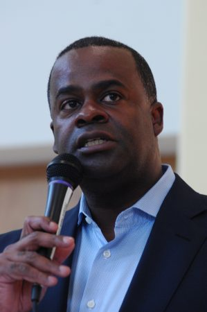 E Rivers Elementary School; Friday June 3, 2016 3:00pm. Atlanta Mayor Kasim reed, and Atlanta City Council Member from District Eight, Yolanda Adrean host informal public meeting for concerned neighbors about plans for the renovation of Bobby Jones Golf Course.