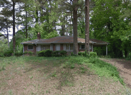 A Google Earth image of the house at 380 Hammond Drive.