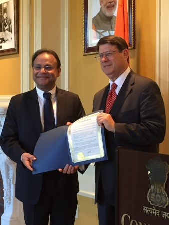 Indian Consul General Nagesh Singh, left, receives a proclamation from Sandy Springs Mayor Rusty Paul last year. (City of Sandy Springs)