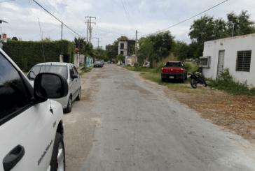 """REPARAN CALLES EN LOS ALREDEDORES DEL PARQUE """" DOÑA TOÑITA"""" EN CHETUMAL"""