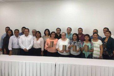 """EL IEQROO PRESENTA EL LIBRO: POETAS DE QUINTANA ROO """"PALABRAS DE VALOR"""""""