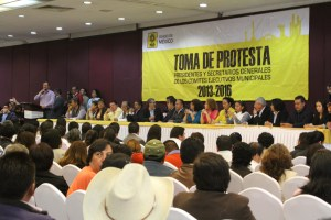 Conminan a dirigentes municipales a encabezar la defensa de PEMEX