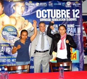 Susana Cruz, Dr. Fausto García y Yesenia Gómez (2)