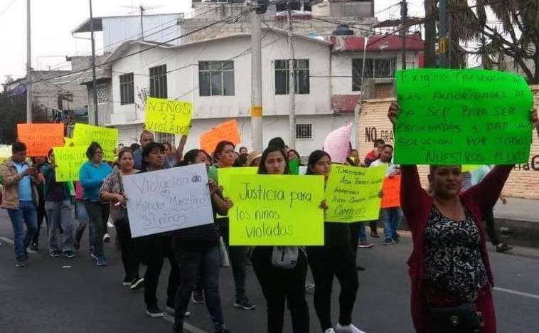 manifestación-padres-37-niños.jpg