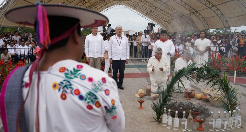 16-12-18 FOTO 02 RITUAL MADRE TIERRA CON MOTIVO DE LA CONSTRUCCIÓN DEL TREN MAYA