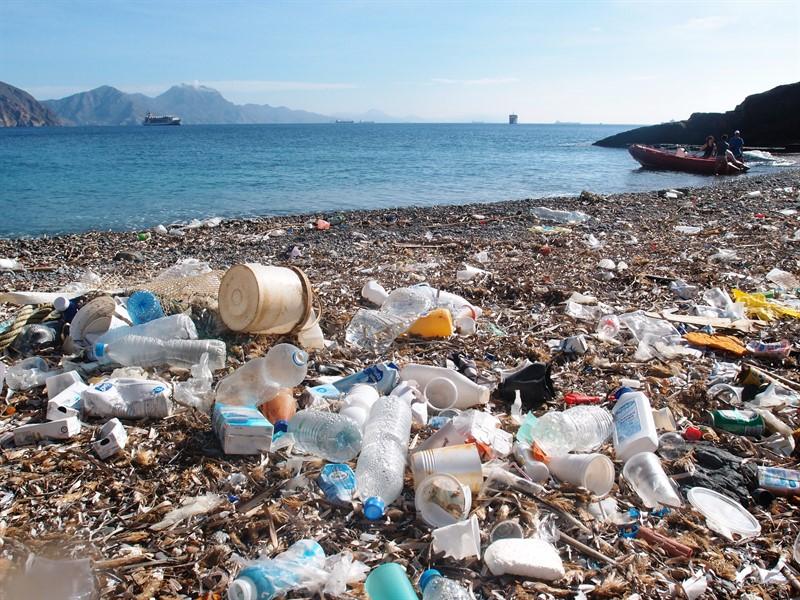 plastico-en-el-mar.jpg