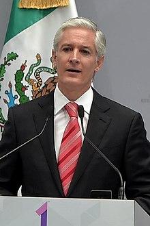 220px-Primer_Informe_de_Gobierno_de_Alfredo_del_Mazo_Maza_3_(cropped).jpg