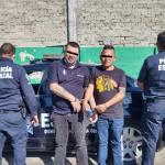 NAUCALPAN: EN ARCO CARRETERO DETECTAN AUTO UTILIZADO EN ROBO A PAQUETERIA