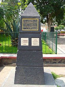 220px-obelisco_en_ayotzingo