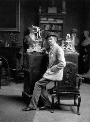 Escultor Joseph Edgar Boehm, no seu atelier