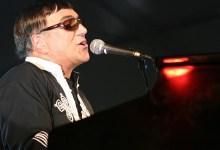 "Photo of Entrevista a José Cid: Cantar e Encantar ""enquanto tiver voz"""